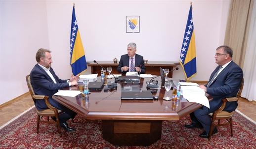 Bakir, Čović  i Ivanić izdali su Državu i Narod